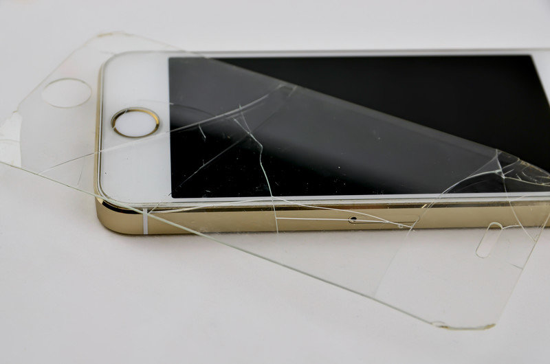 5 Hacks To Identify Damaged Or Defective Tempered Glass