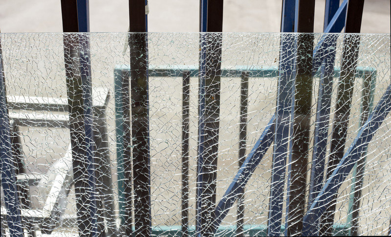 Shattered Tempered Glass Causes Of Spontaneous Glass Breakage