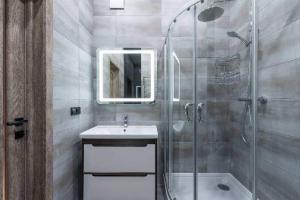 How to Replace Shower Door, Shower Door Replacement