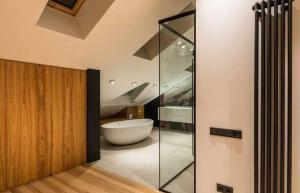 bathtub glass door installation